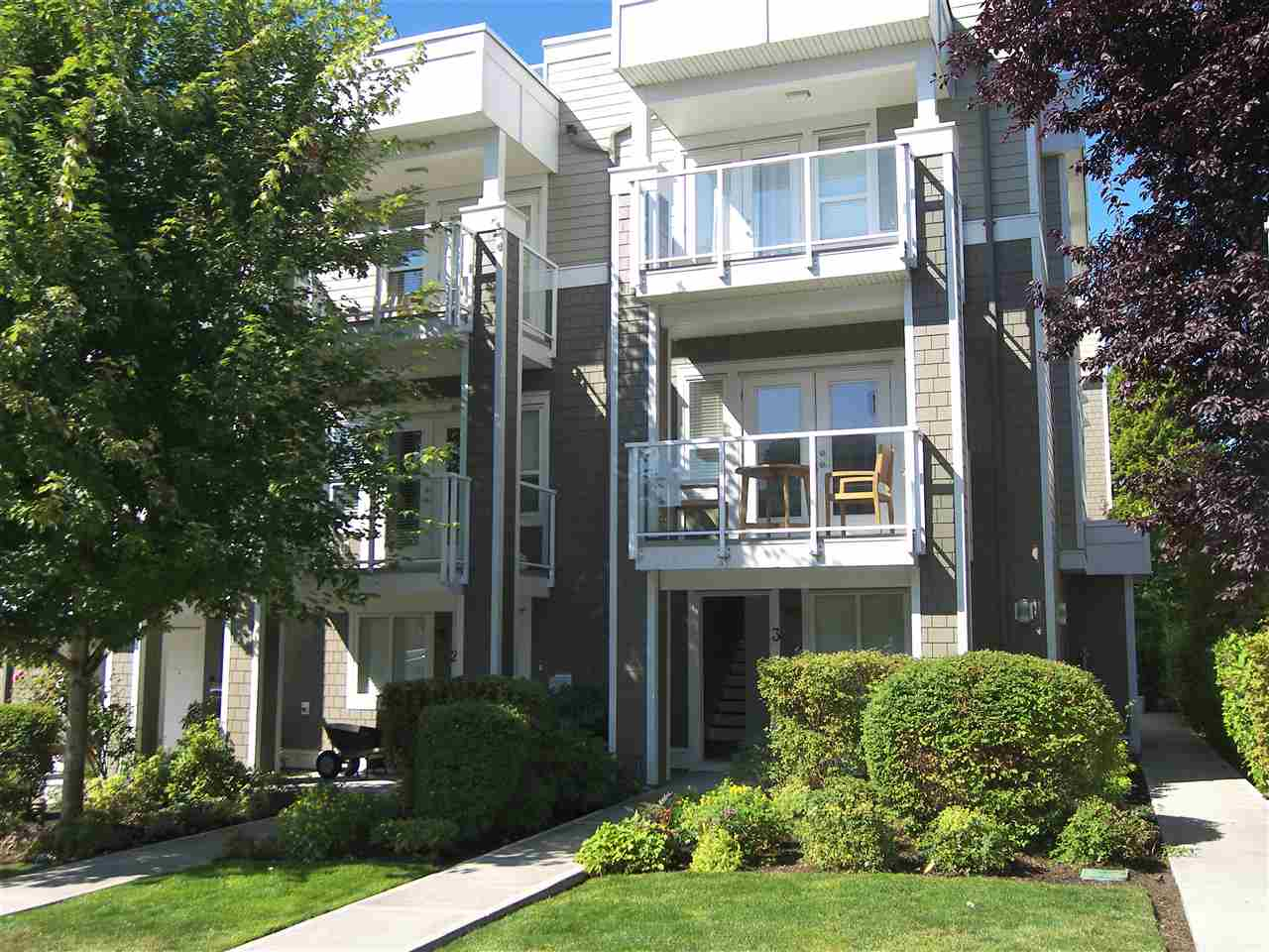 White Rock Townhouse for sale:  3 bedroom 1,400 sq.ft. (Listed 2020-03-23)