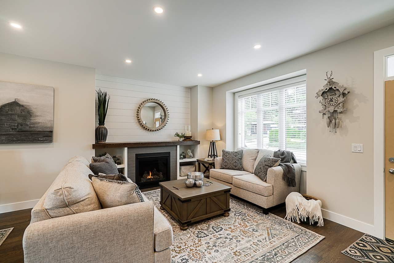 Central Abbotsford House/Single Family for sale:  4 bedroom 1,816 sq.ft. (Listed 2020-05-29)