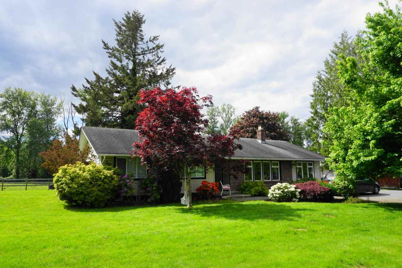 County Line Glen Valley House with Acreage for sale:  4 bedroom 1,988 sq.ft. (Listed 2020-05-29)