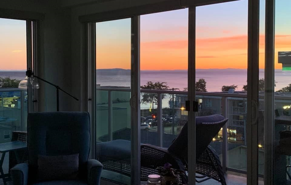 White Rock Apartment/Condo for sale:  2 bedroom 955 sq.ft. (Listed 2020-07-11)