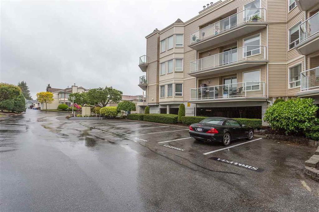 Queen Mary Park Surrey Apartment/Condo for sale:  1 bedroom 1,173 sq.ft. (Listed 2020-09-15)