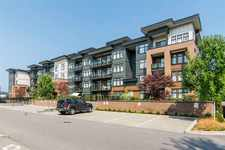 Langley City Apartment/Condo for sale:  2 bedroom 908 sq.ft. (Listed 2020-10-16)