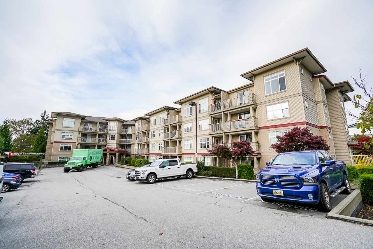 Central Abbotsford Apartment/Condo for sale: Viva on Park 1 bedroom 591 sq.ft. (Listed 2020-11-04)
