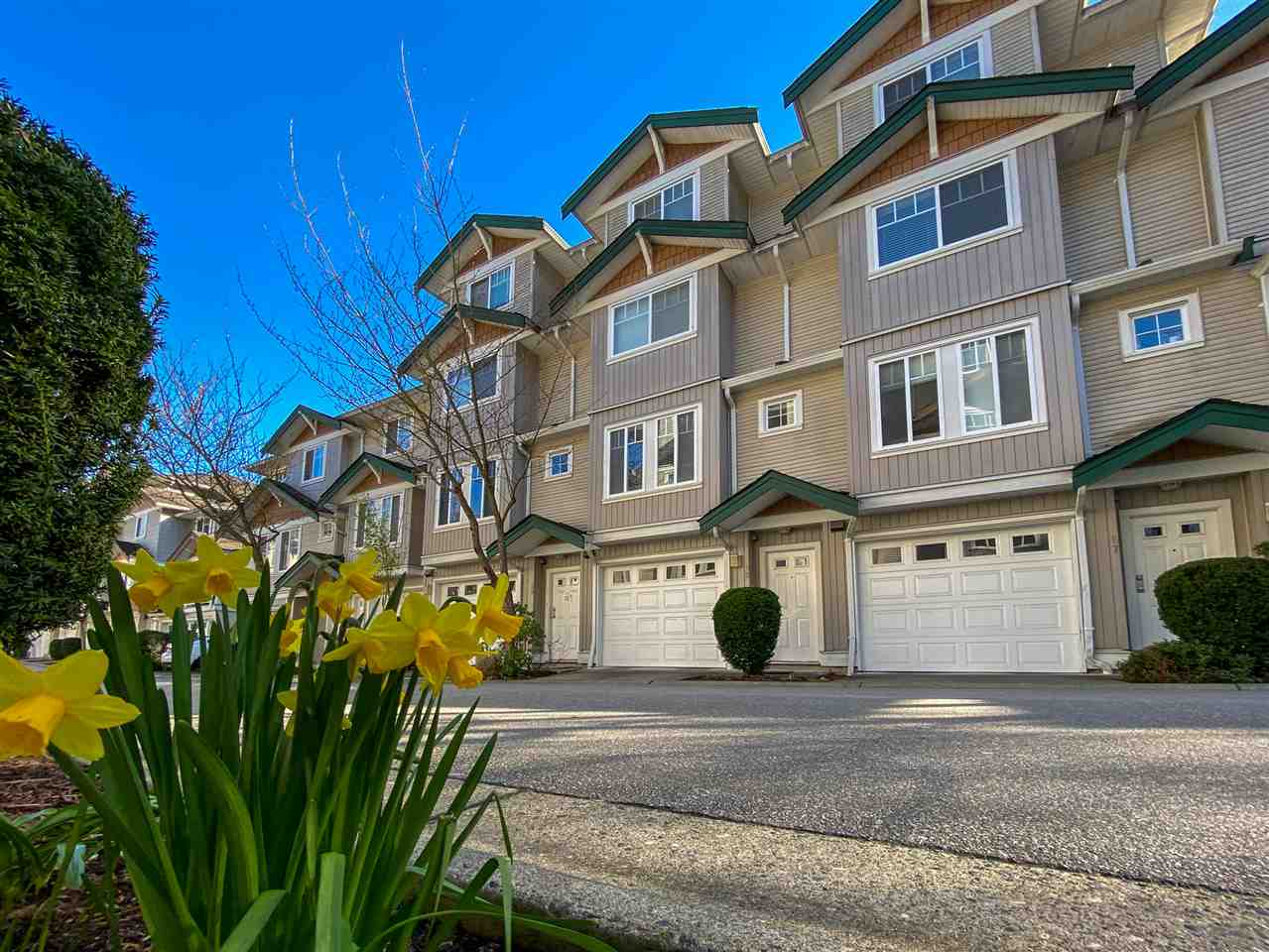 West Newton Townhouse for sale:  3 bedroom 1,914 sq.ft. (Listed 2021-04-03)