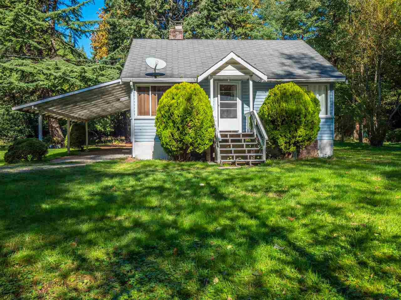 Gibsons & Area House with Acreage for sale:  2 bedroom  Hardwood Floors 1,228 sq.ft. (Listed 2019-10-08)