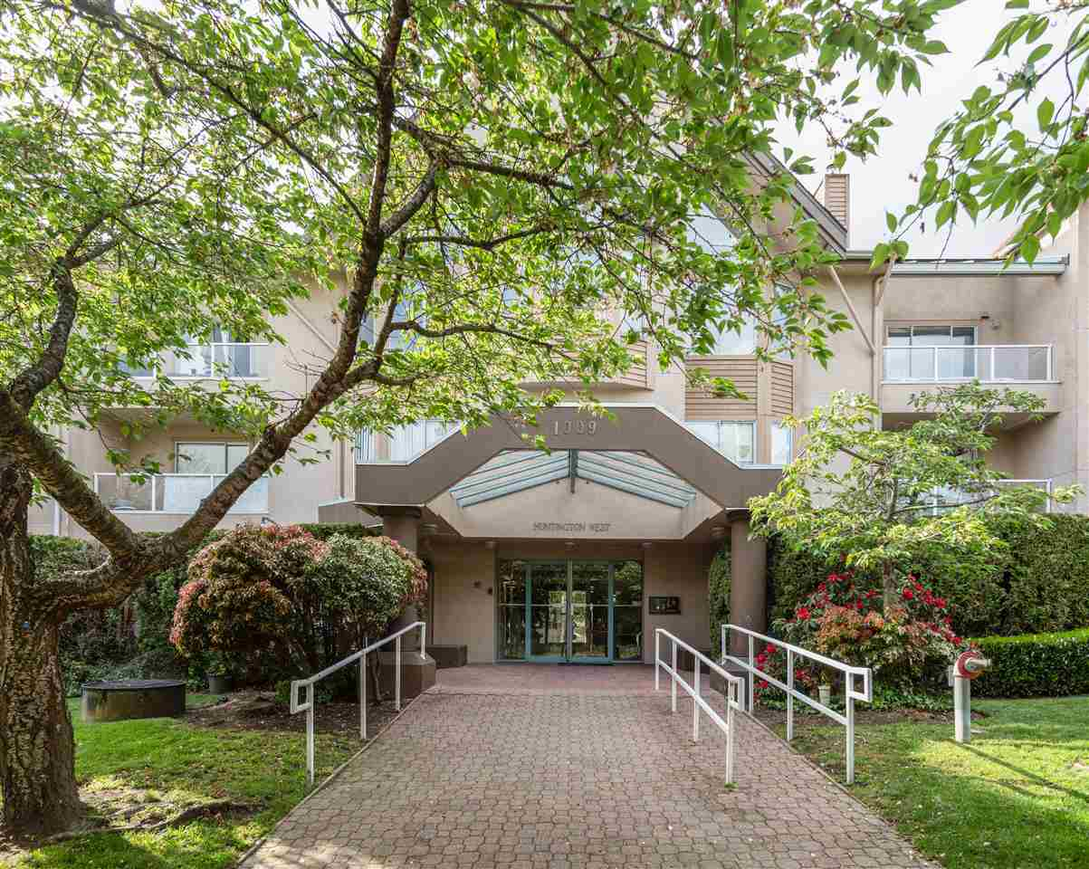 Uptown NW Apartment/Condo for sale:  2 bedroom 1,135 sq.ft. (Listed 2020-05-12)