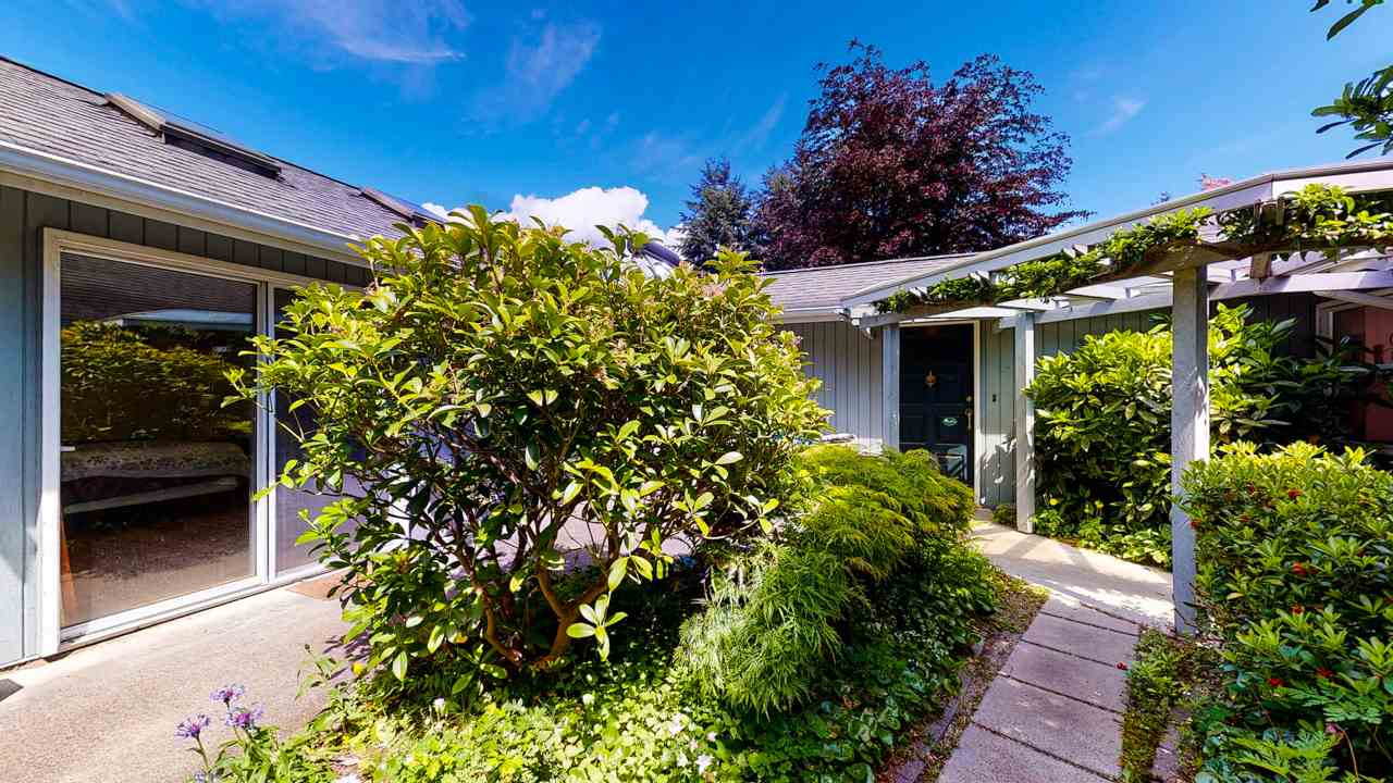 Sechelt District House/Single Family for sale:  2 bedroom 1,442 sq.ft. (Listed 2020-05-22)