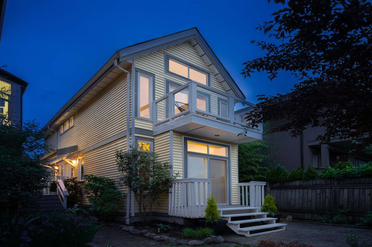 Lower Lonsdale House/Single Family for sale:  2 bedroom 1,089 sq.ft. (Listed 2020-06-02)
