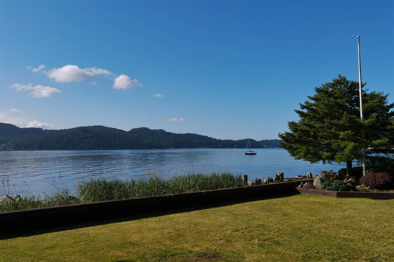 Gibsons & Area House/Single Family for sale:  2 bedroom 2,011 sq.ft. (Listed 2020-07-05)