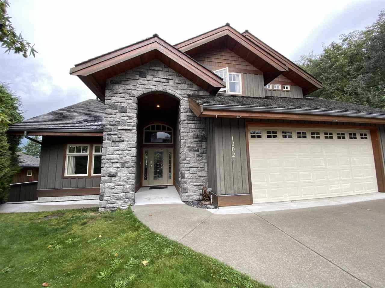 Hospital Hill House/Single Family for sale:  5 bedroom 3,226 sq.ft. (Listed 2020-09-25)