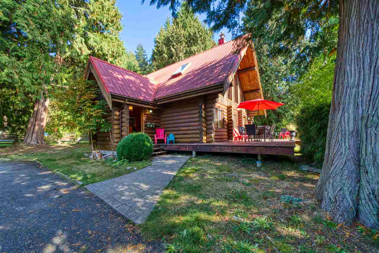 Roberts Creek House/Single Family for sale:  3 bedroom 1,880 sq.ft. (Listed 2020-10-04)