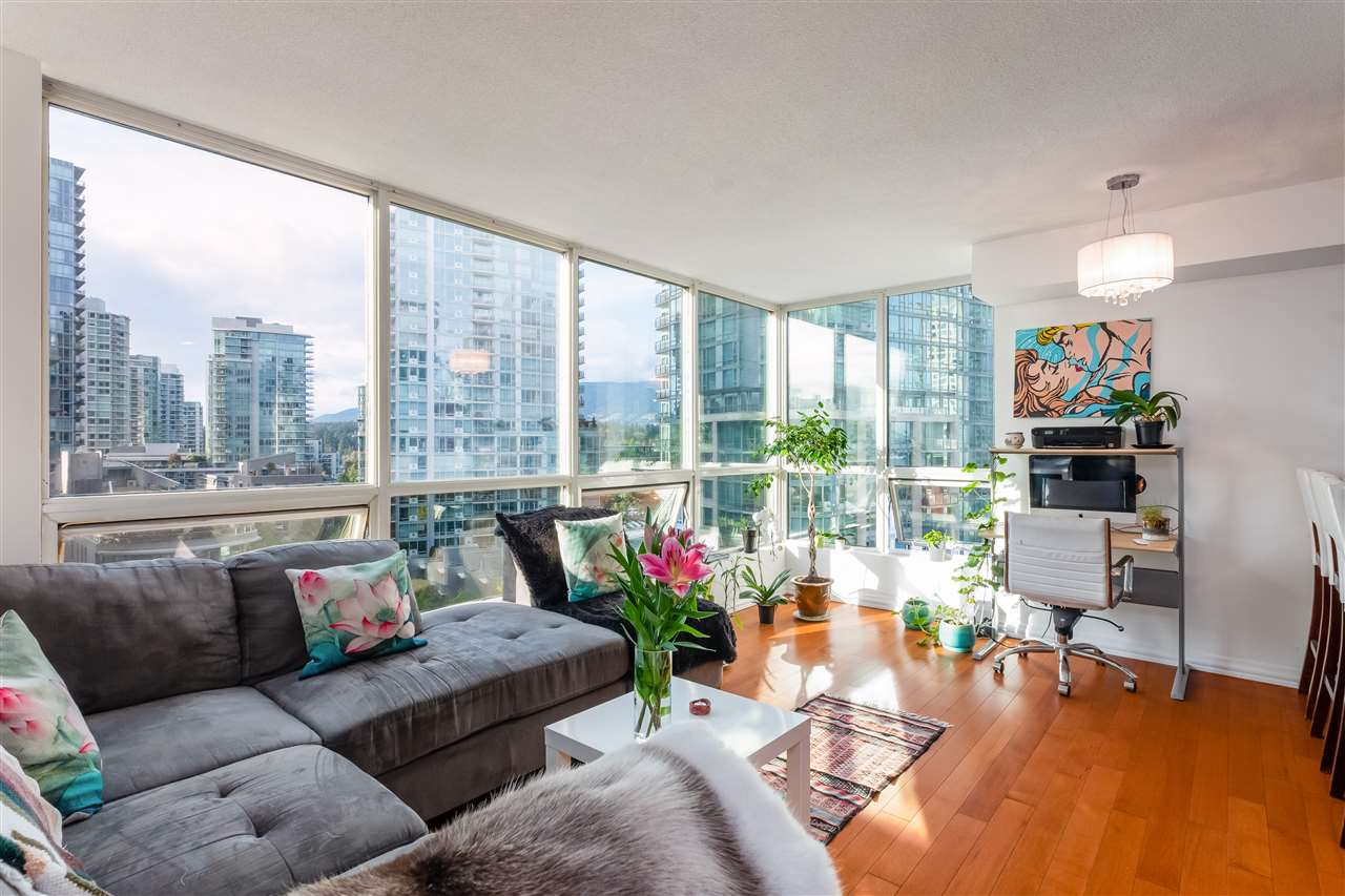 Coal Harbour Apartment/Condo for sale:  1 bedroom 590 sq.ft. (Listed 2020-10-21)