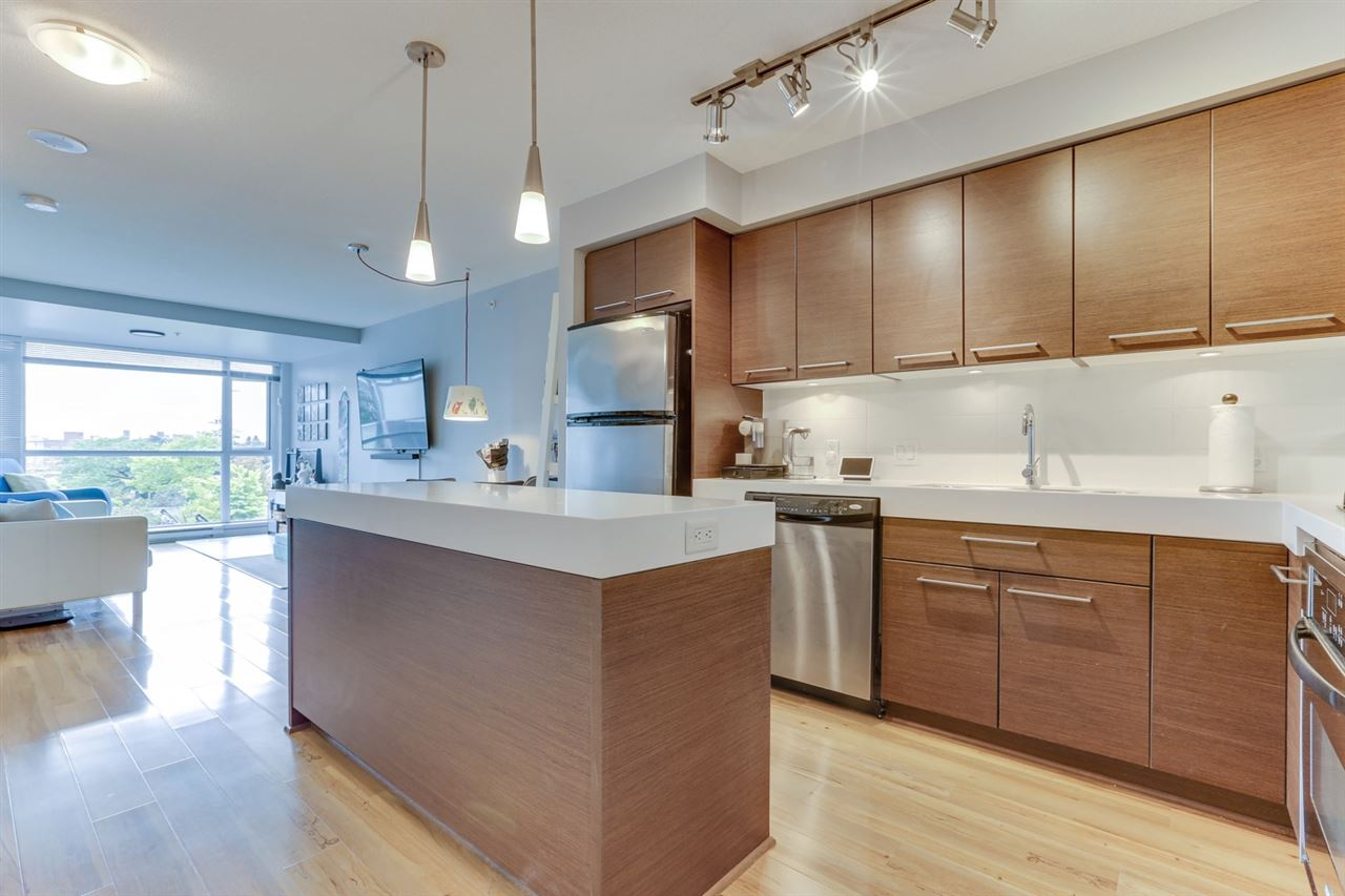 Mount Pleasant VE Apartment/Condo for sale:  1 bedroom 704 sq.ft. (Listed 2020-10-26)