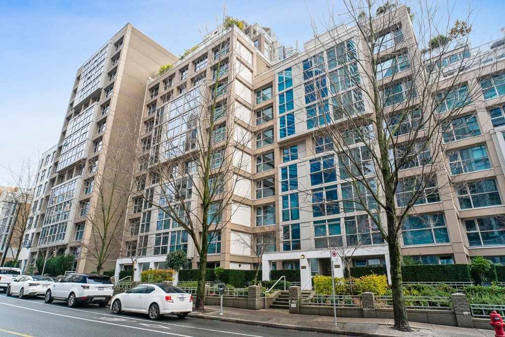 Yaletown Apartment/Condo for sale:  2 bedroom 1,115 sq.ft. (Listed 2020-11-26)
