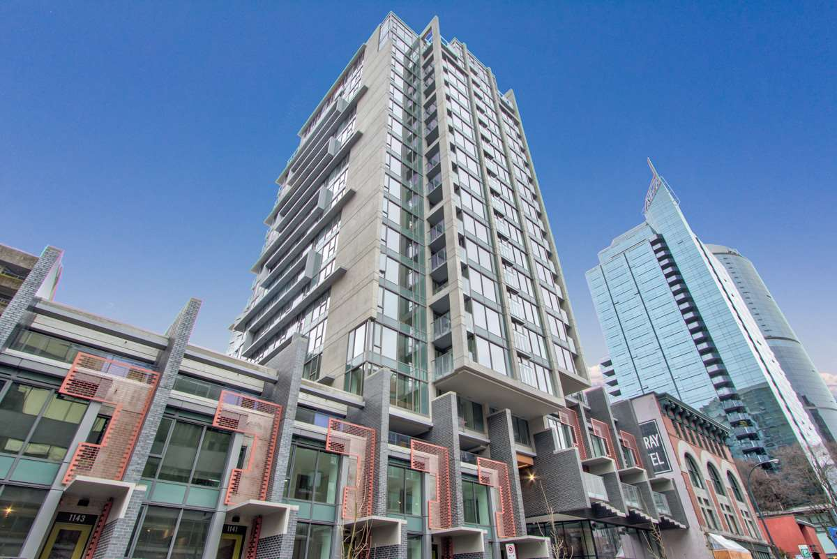 Downtown VW Apartment/Condo for sale:  2 bedroom 874 sq.ft. (Listed 2020-12-01)