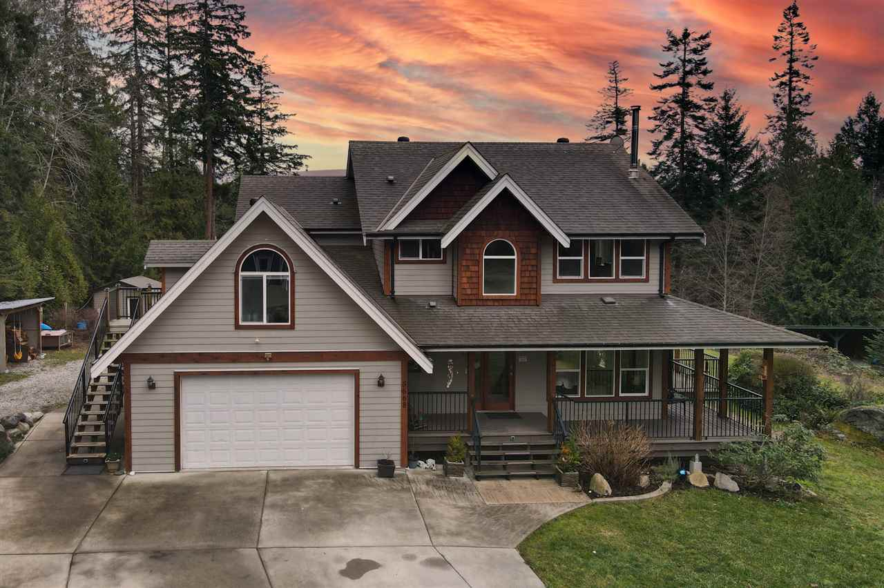 Sechelt District House with Acreage for sale:  3 bedroom 2,108 sq.ft. (Listed 2021-01-11)