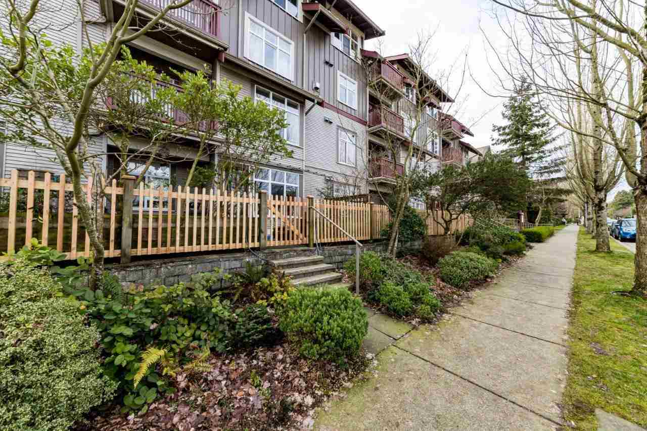 Vancouver Heights Apartment/Condo for sale:  3 bedroom 1,032 sq.ft. (Listed 2021-01-15)