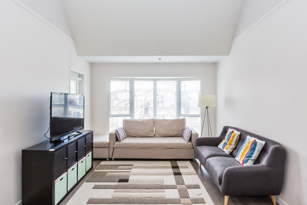 Brighouse South Apartment/Condo for sale:  3 bedroom 1,275 sq.ft. (Listed 2021-02-25)