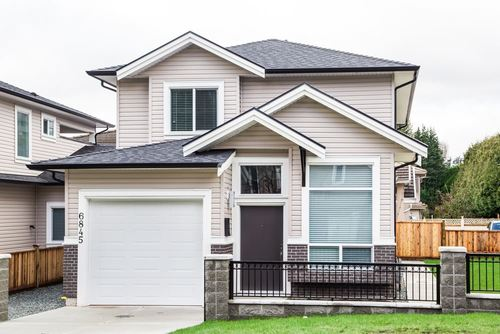 Metrotown 1/2 Duplex for sale:  5 bedroom 1,991 sq.ft. (Listed 2021-03-26)