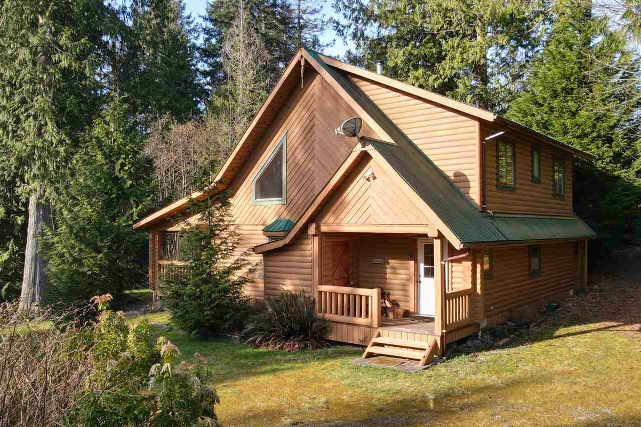 Sechelt District House with Acreage for sale:  3 bedroom 1,517 sq.ft. (Listed 2021-04-02)