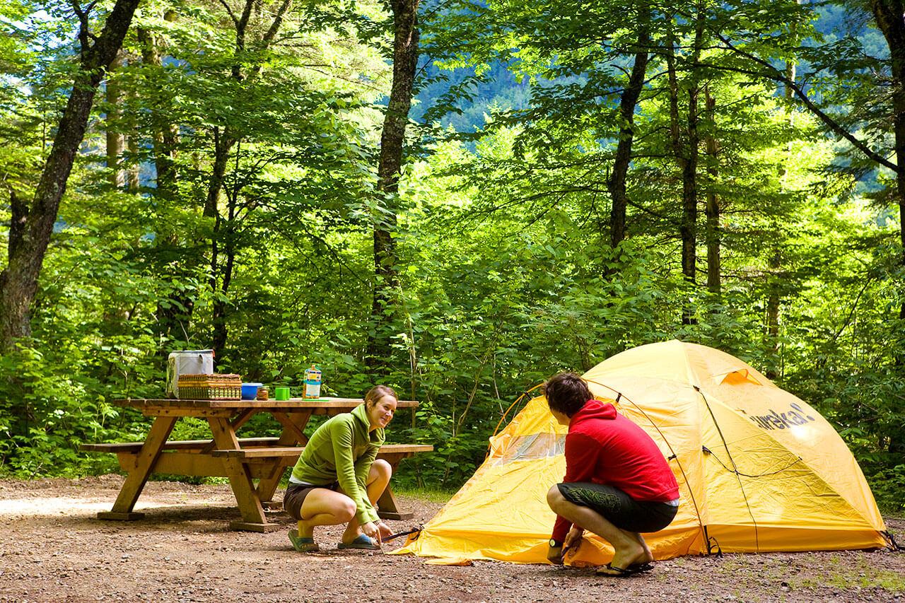 comment monter une tente conseils de camping s paq. Black Bedroom Furniture Sets. Home Design Ideas