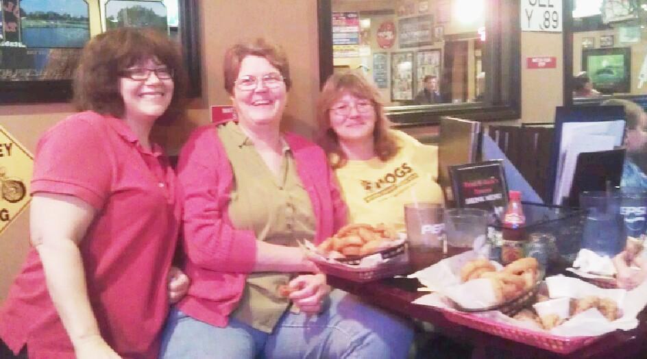 Xmas - Lori, Sharon, Tracy