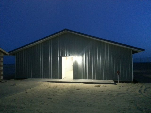 pole barn w light
