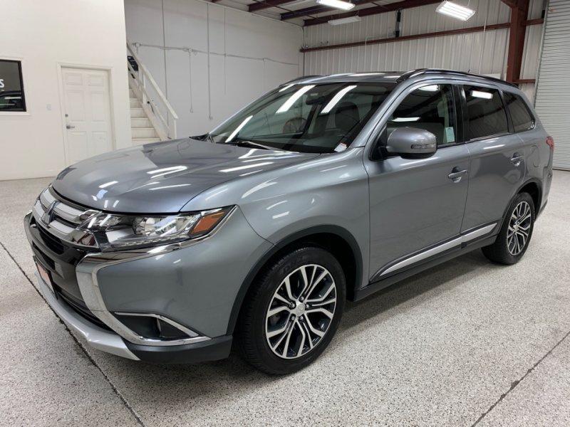 Roberts Auto Sales 2016 Mitsubishi Outlander