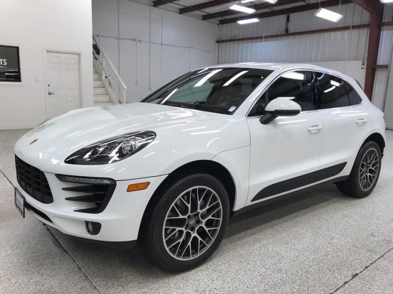 Roberts Auto Sales 2015 Porsche Macan
