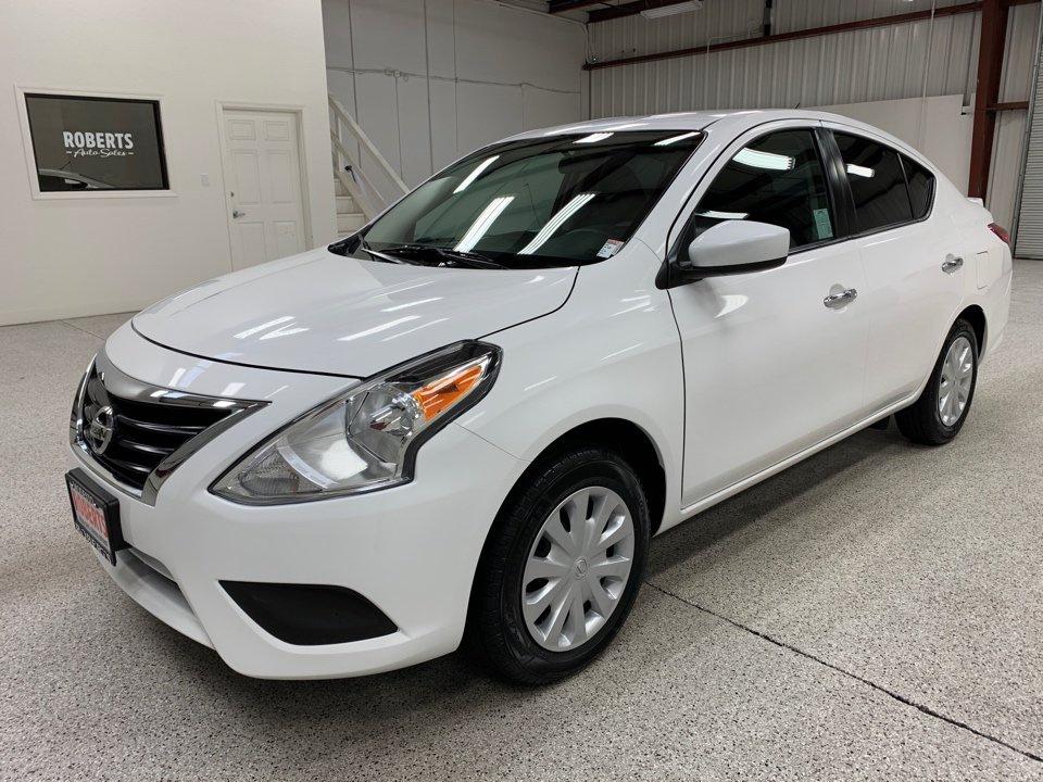 Roberts Auto Sales 2017 Nissan Versa