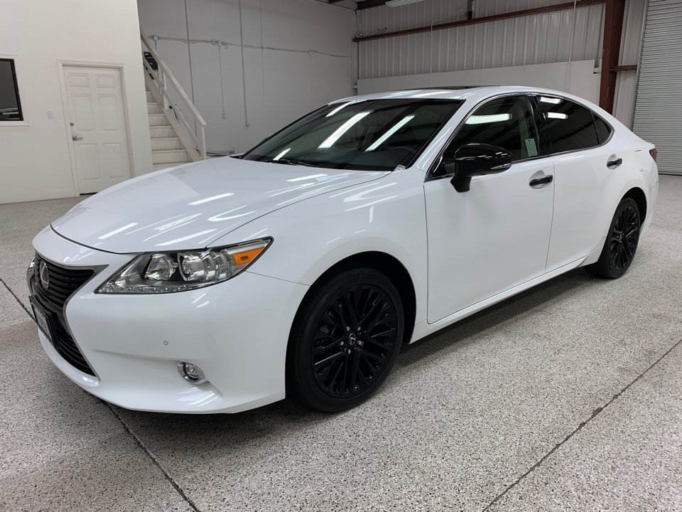 Roberts Auto Sales 2015 Lexus ES