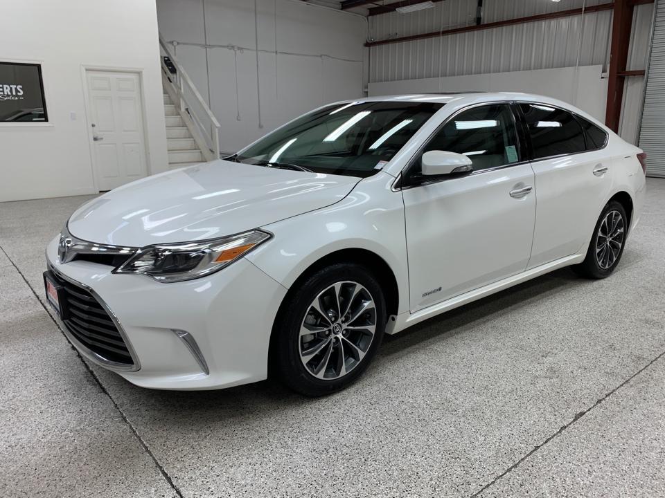 Roberts Auto Sales 2016 Toyota Avalon