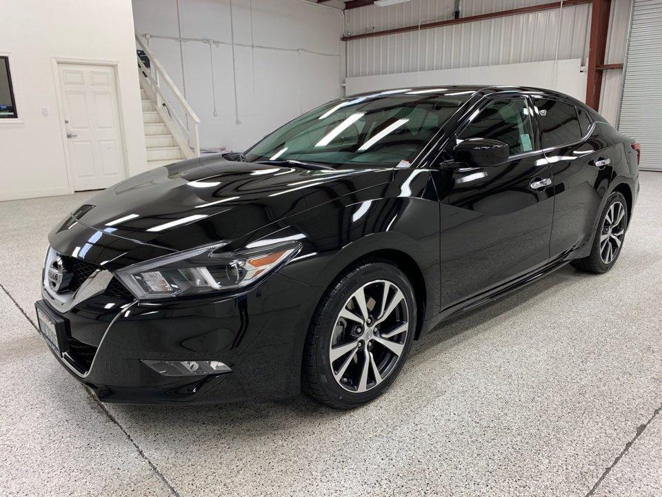 Roberts Auto Sales 2016 Nissan Maxima