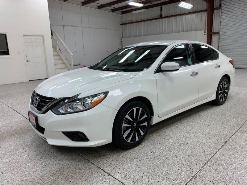 Roberts Auto Sales 2018 Nissan Altima