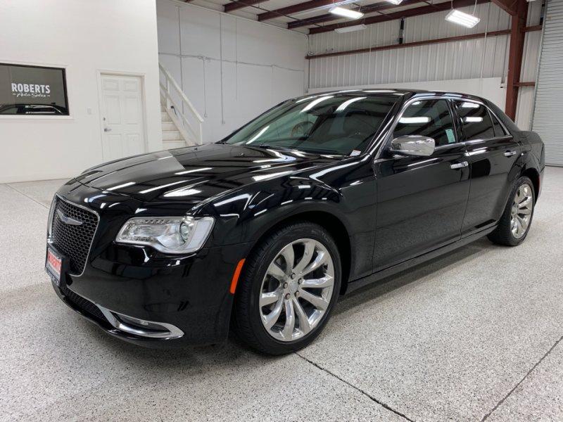 Roberts Auto Sales 2019 Chrysler 300