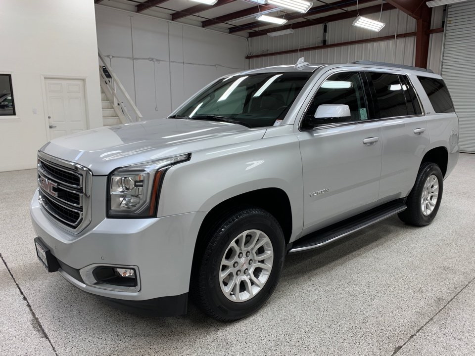 Roberts Auto Sales 2018 GMC Yukon