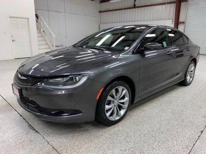 Roberts Auto Sales 2016 Chrysler 200