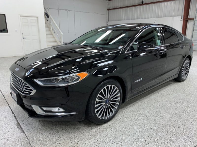 Roberts Auto Sales 2017 Ford Fusion