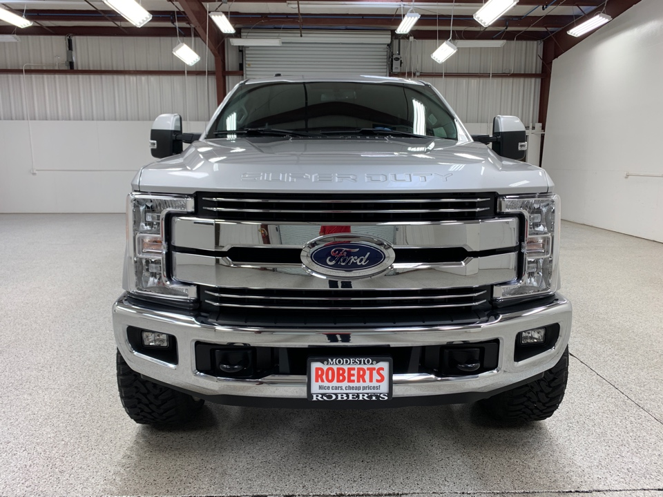 2017 Ford F250 Super Duty Crew Cab - Roberts