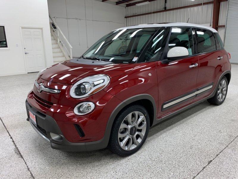 Roberts Auto Sales 2016 Fiat 500L