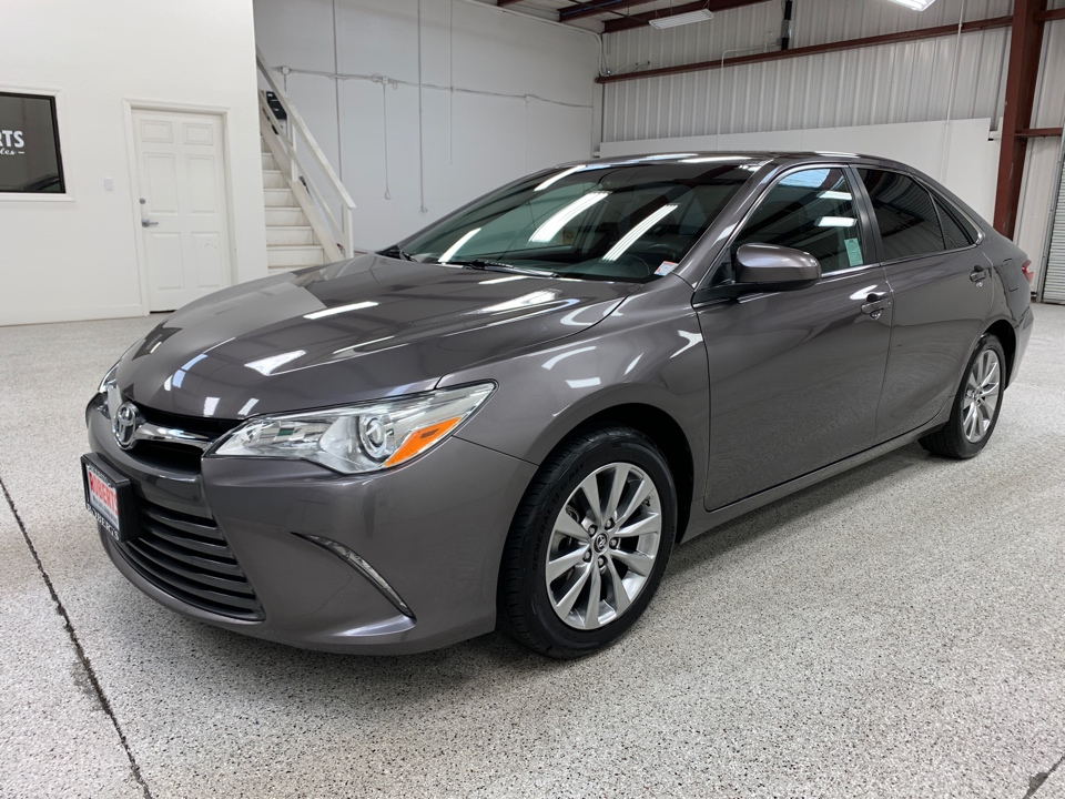 Roberts Auto Sales 2015 Toyota Camry