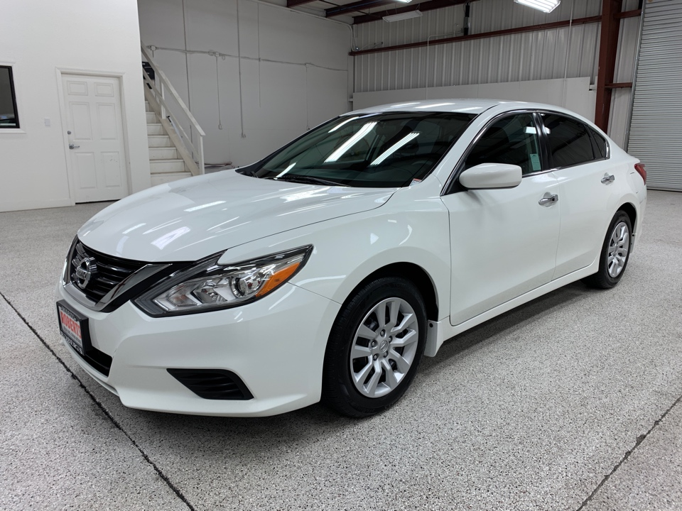 Roberts Auto Sales 2016 Nissan Altima