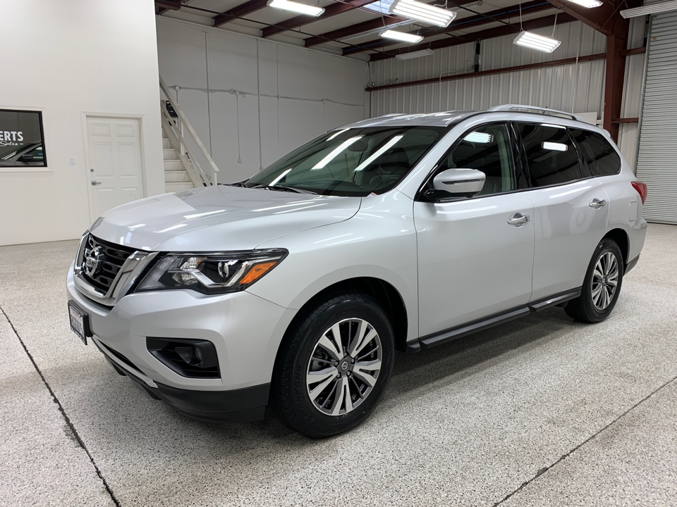 Roberts Auto Sales 2018 Nissan Pathfinder