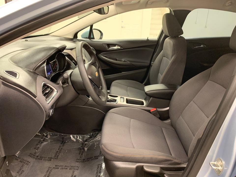 2018 Chevrolet Cruze - Roberts