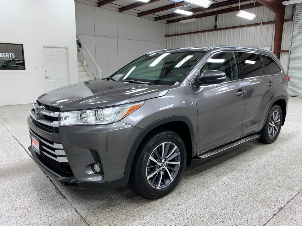Roberts Auto Sales 2018 Toyota Highlander