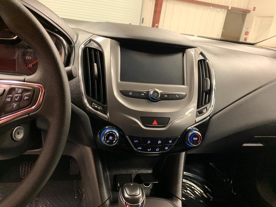 2017 Chevrolet Cruze - Roberts