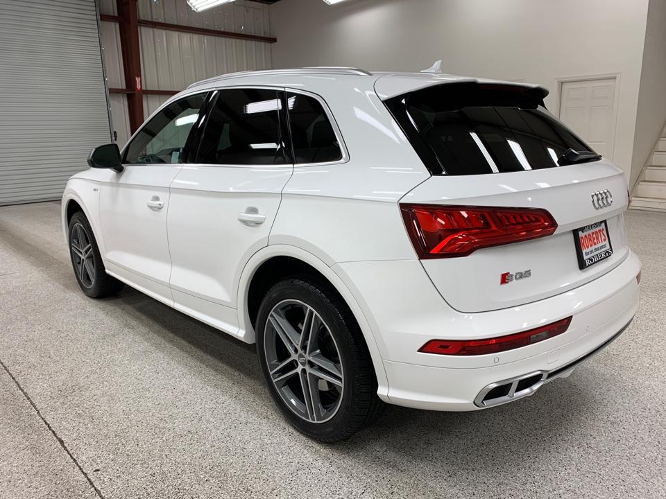 Roberts Auto Sales 2018 Audi SQ5
