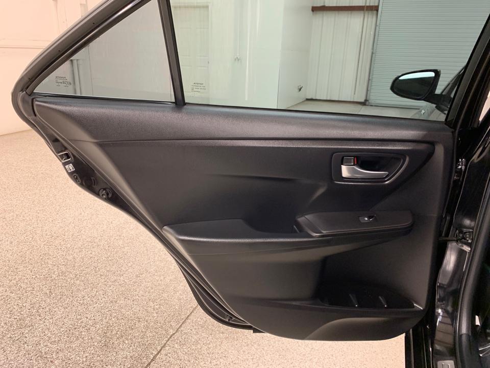 2016 Toyota Camry - Roberts