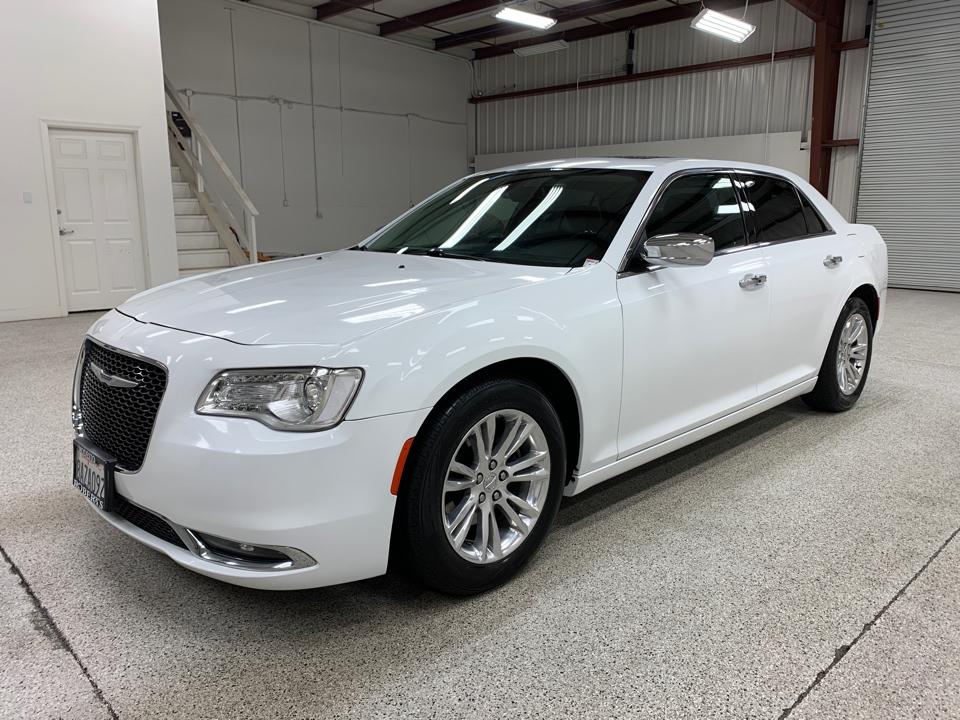 Roberts Auto Sales 2017 Chrysler 300