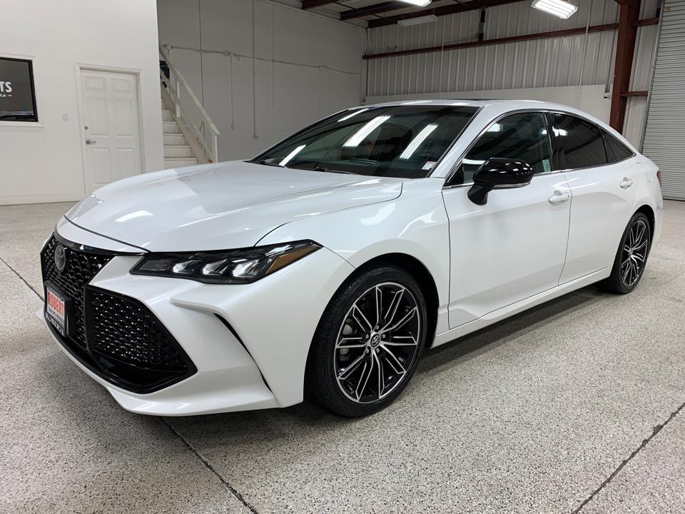 Roberts Auto Sales 2019 Toyota Avalon